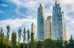 Grattacieli ed architettura in Puerto Madero Immagine Stock