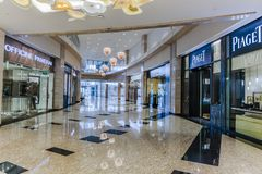 Grattacieli interni in Abu Dhabi, Emirati Arabi Uniti immagini stock