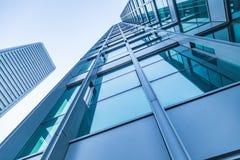Grattacieli moderni comuni di affari, grattacieli, architettura che si alza al cielo fotografia stock libera da diritti