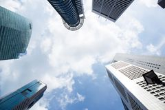 Grattacieli moderni di affari con le alte costruzioni, architettura al cielo, concetto di affari Immagine Stock Libera da Diritti