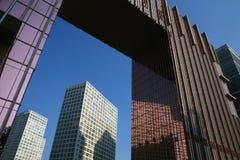 Grattacieli moderni a grandangolare fotografie stock