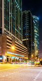 Grattacieli nel centro del centro del centro a Singapore alla notte Fotografie Stock