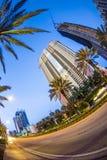 Grattacielo al lungonmare in Sunny Isles Beach Fotografia Stock Libera da Diritti
