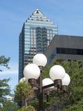 Grattacielo con gli indicatori luminosi della città Immagini Stock Libere da Diritti