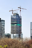Grattacielo in costruzione nel centro urbano di Pechino, Cina Immagini Stock Libere da Diritti