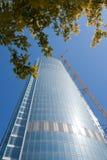Grattacielo da vetro e da un acciaio immagine stock