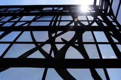 Grattacielo di vetro e d'acciaio Immagine Stock