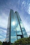 Grattacielo di vetro moderno Immagini Stock Libere da Diritti