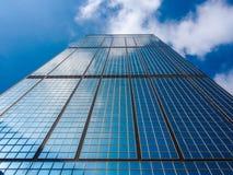 Grattacielo e cielo Fotografie Stock