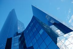 Grattacielo moderno dell'ufficio fotografia stock libera da diritti