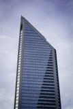 Grattacielo nella sera Immagini Stock Libere da Diritti