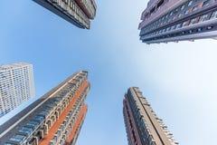 Grattacielo nella zona residenziale Immagine Stock