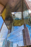 Grattacielo rispecchiato Immagini Stock Libere da Diritti
