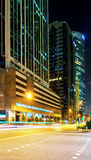 Gratte-ciel au centre du noyau du centre à Singapour au crépuscule Photographie stock libre de droits