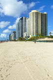 Gratte-ciel chez Sunny Isles Beach Images libres de droits