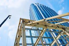 Gratte-ciel dans la construction photographie stock libre de droits