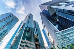 Gratte-ciel dans le district financier de Singapour Photographie stock libre de droits