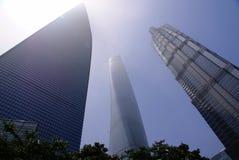 3 gratte-ciel dans Lujiazui Images libres de droits