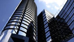 Gratte-ciel de bâtiments d'affaires avec le ciel bleu Gratte-ciel et architecture moderne rendu 3d Images stock