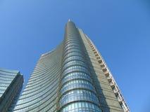Gratte-ciel de centre de Milan Commercial Images stock