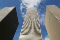 Gratte-ciel de la 6ème avenue ou de l'avenue des Amériques à Manhattan Photos stock