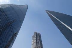 Gratte-ciel de place financière du monde de Changhaï Images stock