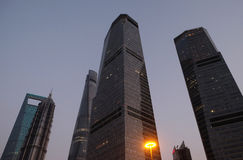 Gratte-ciel de place financière du monde de Changhaï Photo libre de droits