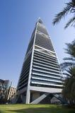 Gratte-ciel de points de repère et bâtiments de capital de ville de Riyadh de SA image stock