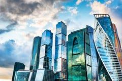 Gratte-ciel de ville de Moscou photos libres de droits