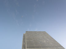 Gratte-ciel de vue inférieure Photo libre de droits