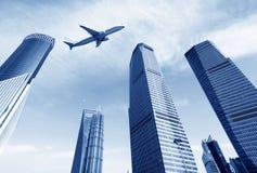 Gratte-ciel et avions Photo libre de droits