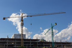 Gratte-ciel et chantier de construction Photo stock