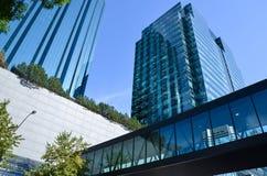 Gratte-ciel et connexion d'Edmonton image stock