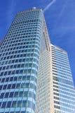 Gratte-ciel fait de verre photographie stock