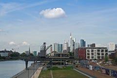 gratte-ciel financiers d'horizon de Francfort de district Image stock