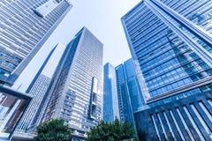 Gratte-ciel modernes communs d'affaires, gratte-ciel, architecture augmentant au ciel Photographie stock libre de droits