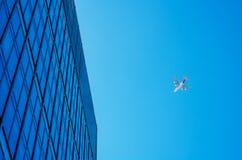 Gratte-ciel modernes d'affaires, hauts bâtiments en verre, archit moderne Image libre de droits