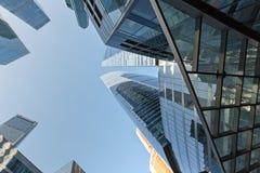 Gratte-ciel modernes dans le district financier image libre de droits