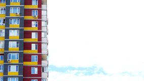 Gratte-ciel ou gratte-ciel sur le fond de ciel bleu Photo libre de droits