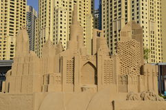 Gratte-ciel - sculptures en sable, Dubaï Photos stock