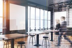 Grau und Ziegelsteinstange mit einer Plakatseite getont Stockfoto