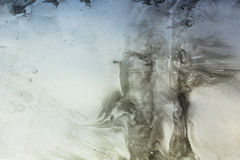 Graue bionische und Naturmuster durch Farbe befleckt auf Papier - marbl Lizenzfreie Stockbilder
