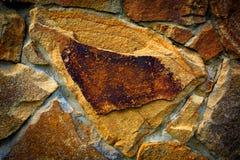 Graue flache Steine und Kies Stockfoto