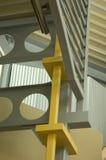 Graue Stahltreppen Stockfoto