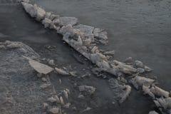 Grauer Eishintergrund Stockbild