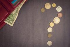 Grauer Hintergrund mit Bargeld Lizenzfreie Stockfotos