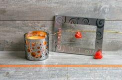 Graues und orange Stillleben Lizenzfreies Stockbild