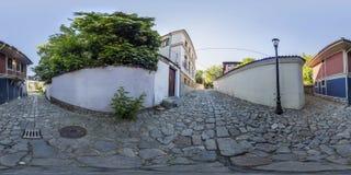 360 graus de panorama de uma rua em Plovdiv, Bulgária Imagens de Stock Royalty Free