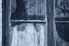 Grausigkeit-Szene einer furchtsamen Frau stockbild