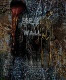 Grausigkeit-Wand mit dem Skelett lizenzfreie stockbilder